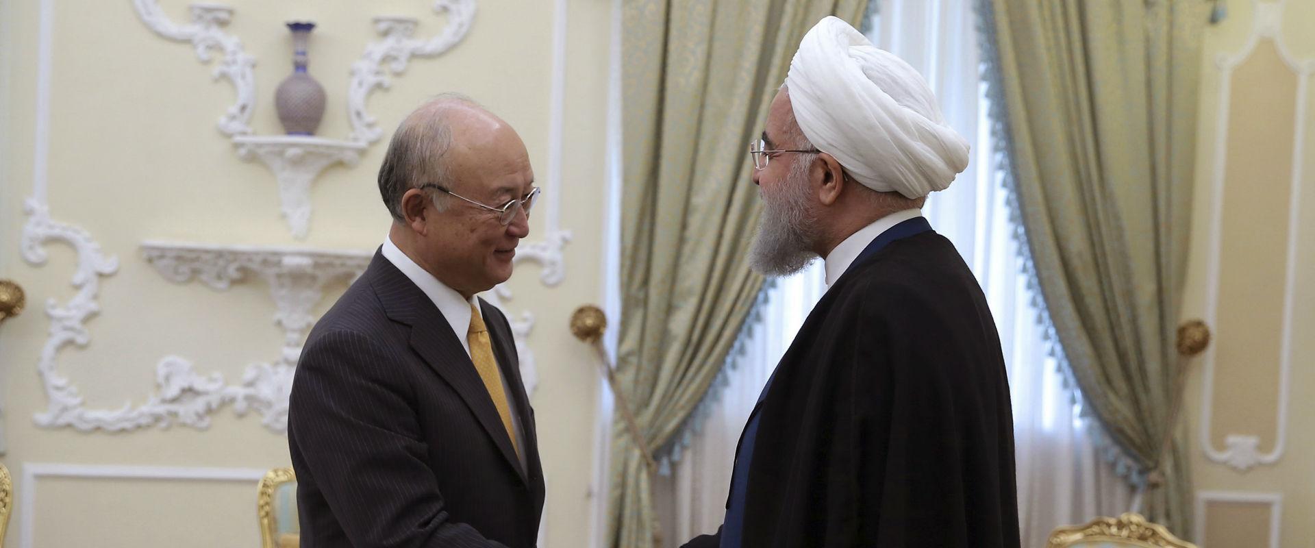 """נשיא איראן רוחאני עם יו""""ר סבא""""א יוקיה אמאנו"""