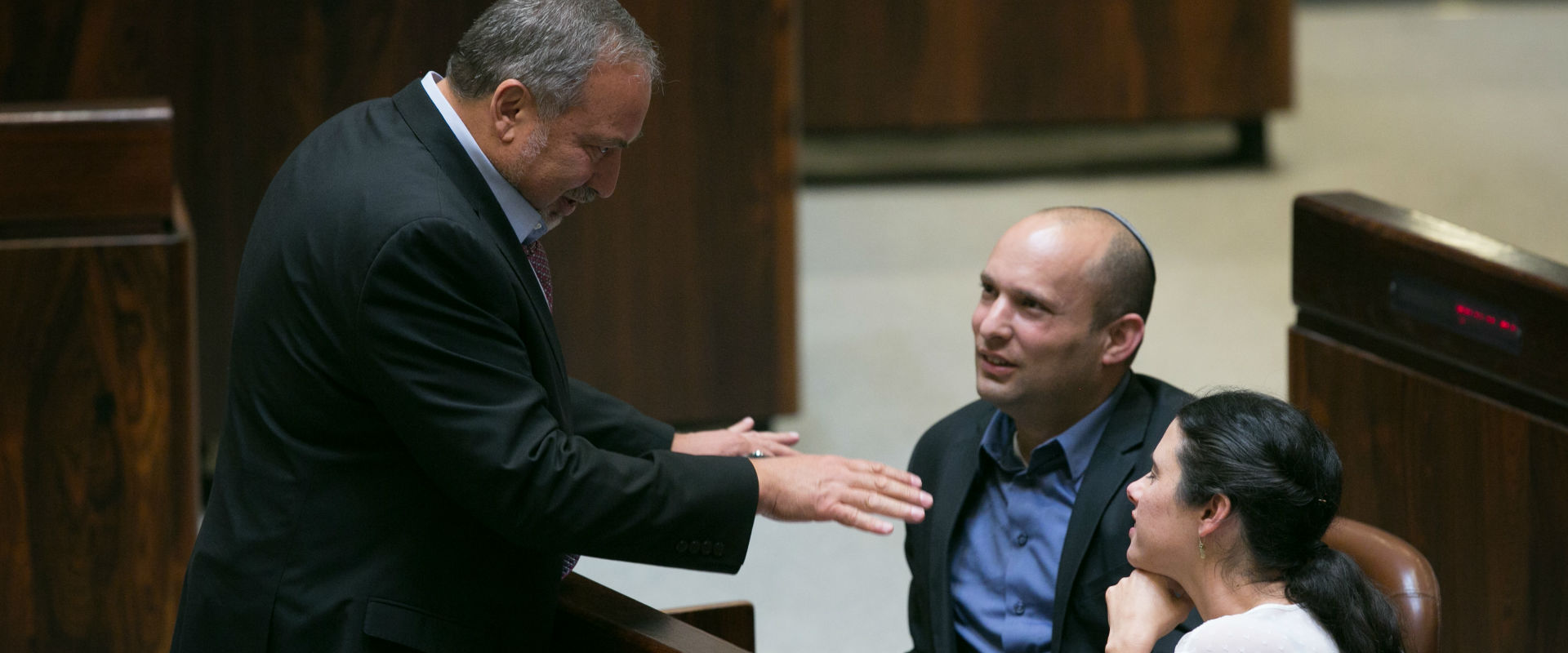 שקד, בנט וליברמן במליאת הכנסת, 2015