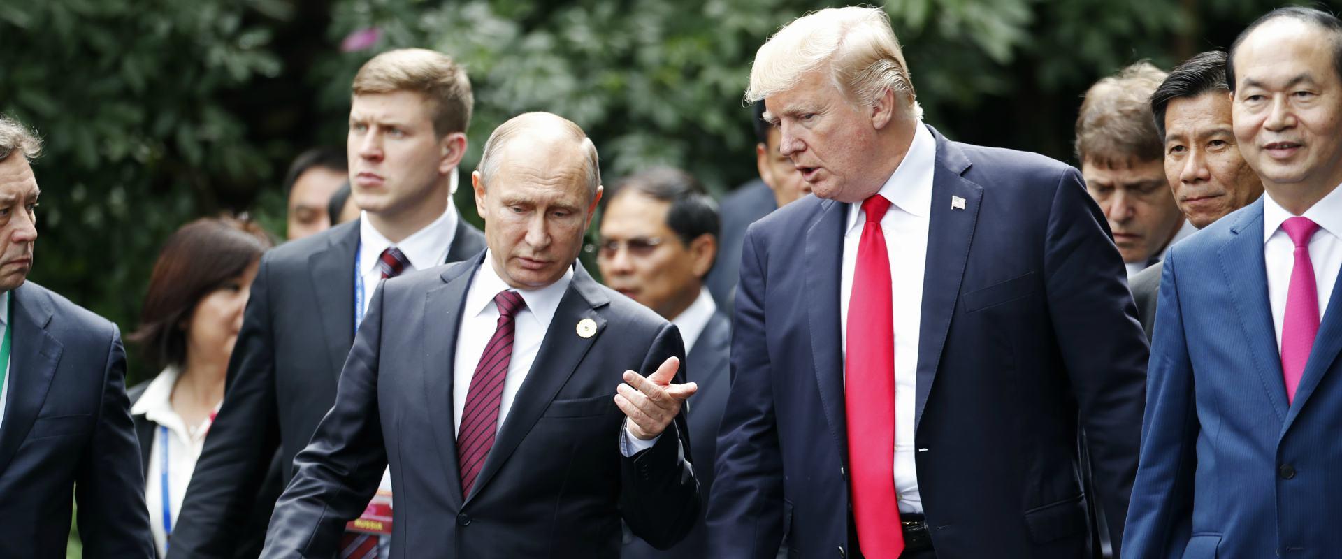 """נשיא ארה""""ב טראמפ ונשיא רוסיה פוטין"""