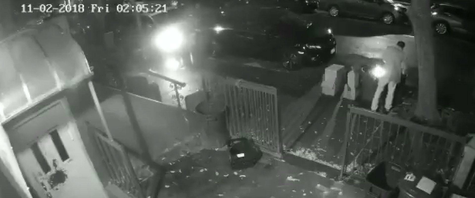 תיעוד של אחת מההצתות בבתי הכנסת בברוקלין